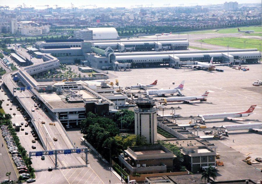 高雄市長韓國瑜認為高雄值得擁有一座大機場