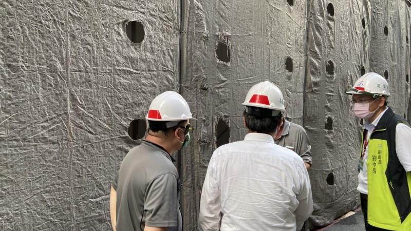 今日戲院拆除工程結構老舊不慎掉落 勒令停工改善並處最高罰鍰9萬